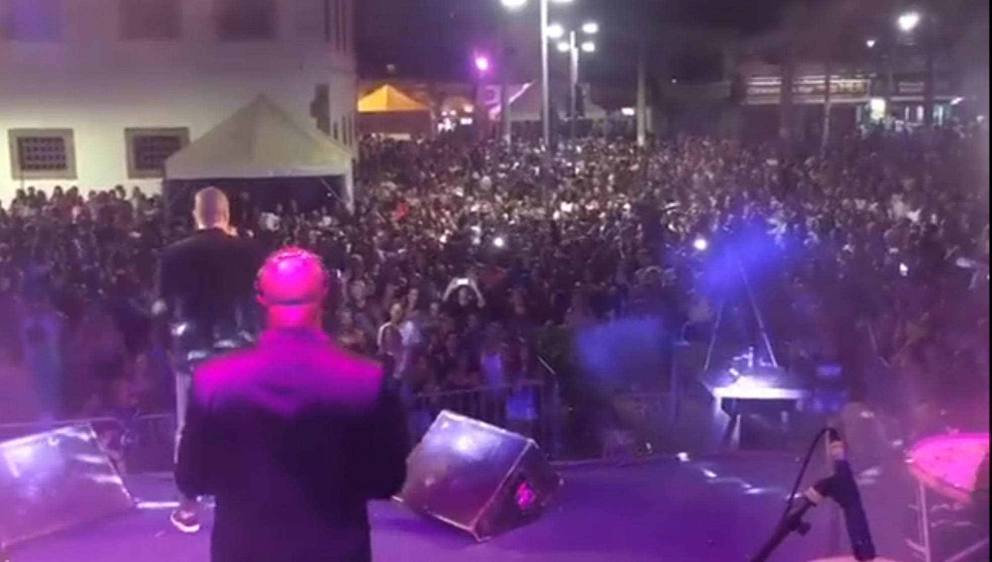 Maricá: Insegurança e atraso marcam baile municipal de Carnaval
