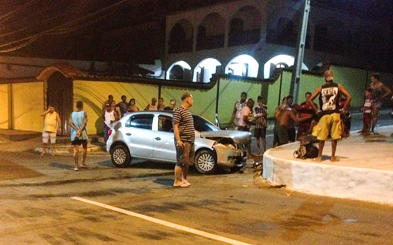 Quatro feridos em acidente na Barra de Maricá