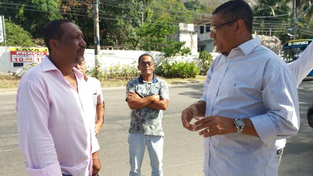 Presidente da Câmara confere andamento de obras e indica melhorias em Itaipuaçu