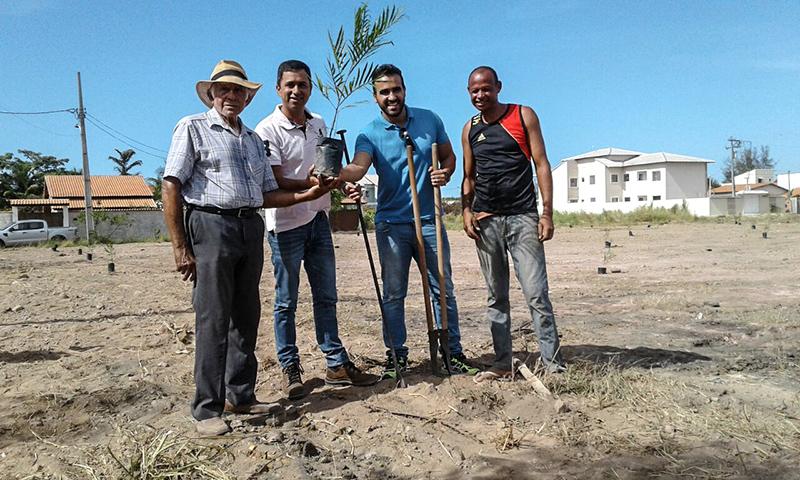 Maricá: Secretário de Agricultura realiza plantio de árvores onde seria lixão
