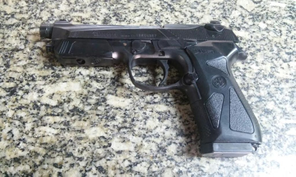 Maricá: PM apreende menor com réplica de pistola