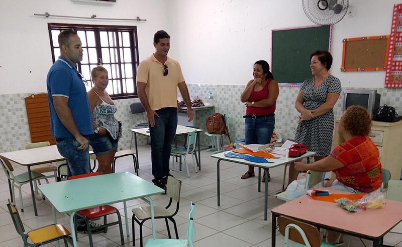 Maricá: Vereadores Ricardinho Netuno e Filipe Poubel verificam condições das escolas municipais