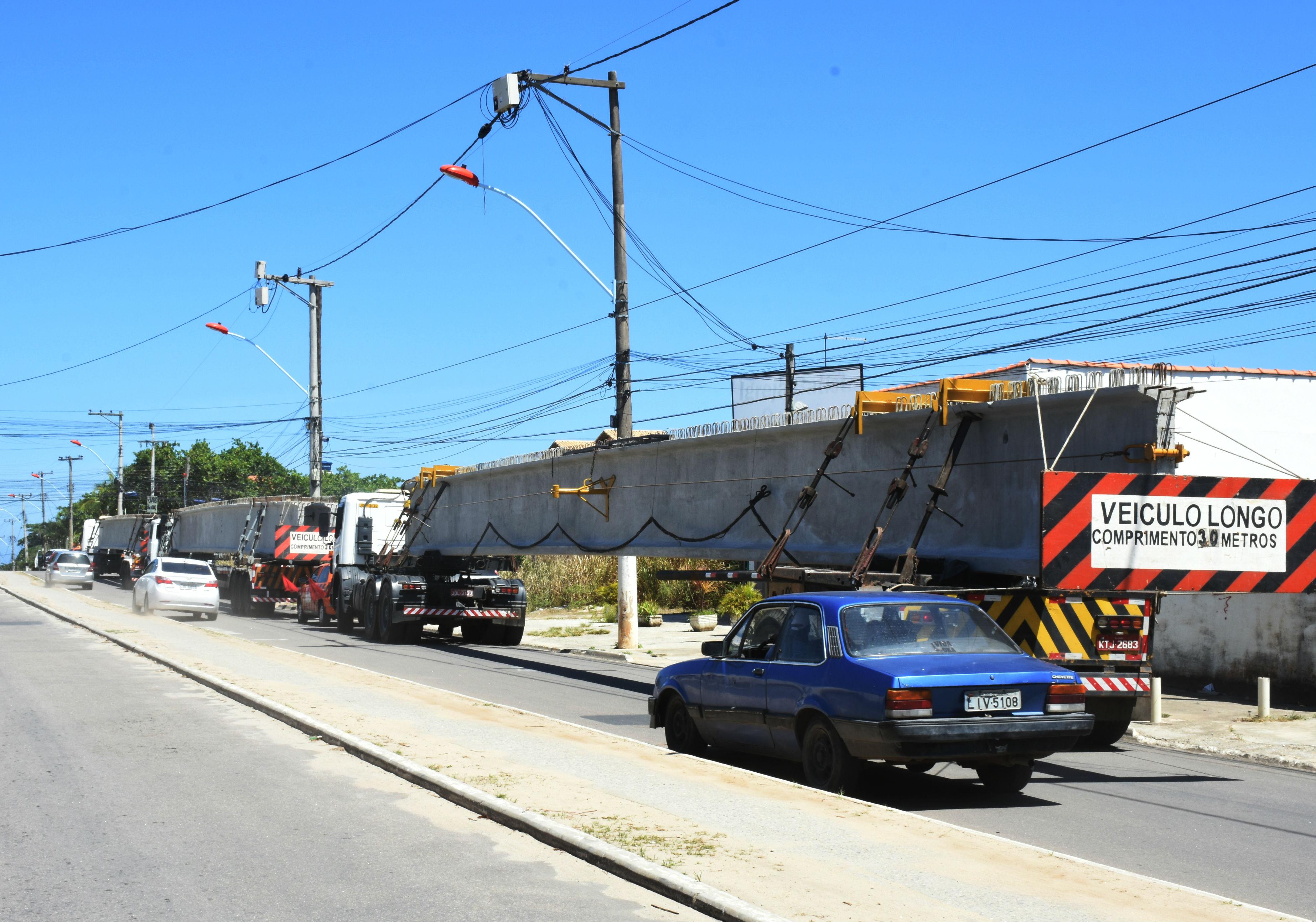 Maricá: Vigas de concreto da ponte na Av. Zumbi dos Palmares chegam a Itaipuaçu
