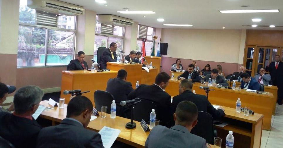 Maricá: Vereadores defendem ônibus 'vermelhinhos' em sessão