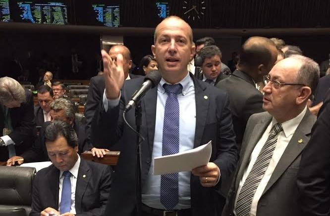 Marcelo Delaroli apresenta Projeto de Lei que prevê multa para empresas que atrasarem o salário