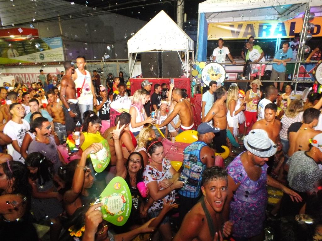 Foliões aprovam o Carnaval 2017 em Maricá