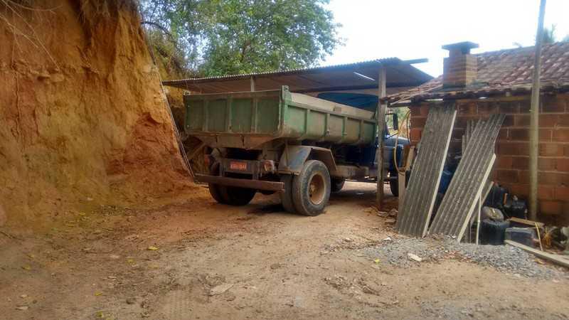 Maricá: Polícia Ambiental coíbe extração ilegal de substância mineral