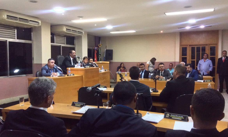 Regulamentação do Uber é debatida em sessão na Câmara de Maricá