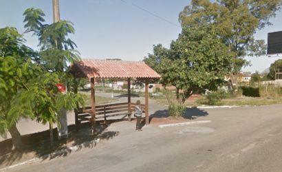 Maricá: Bandidos armados assaltam em ponto de ônibus no Manu Manuela