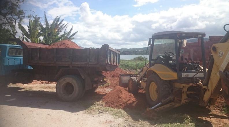 Polícia Ambiental impede construção irregular em bairro de Maricá