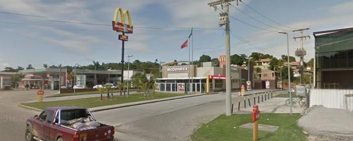 Maricá: Criminosos rendem funcionários e assaltam McDonald's na RJ-106