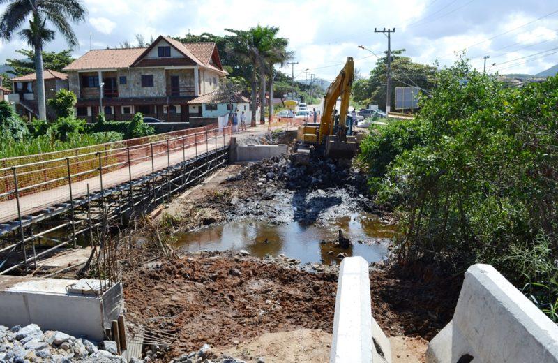 Itaipuaçu: Obras da ponte avançam na Av. Zumbi dos Palmares