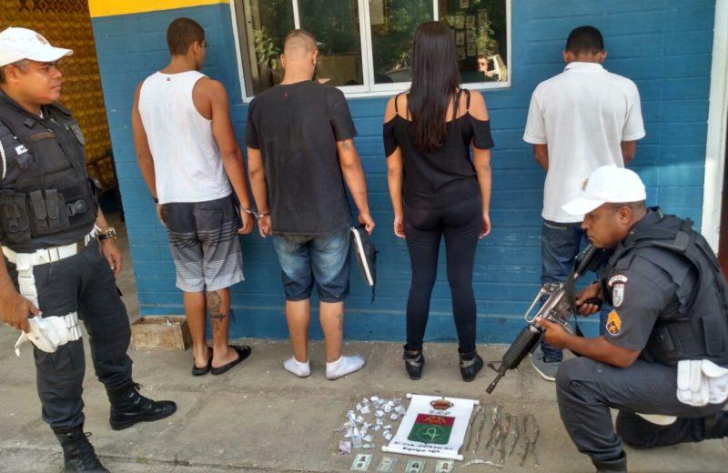 Maricá: Quatro pessoas presas transportando drogas na RJ-106