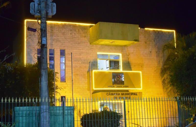 Maricá: Câmara Municipal está iluminada em apoio à Campanha Maio Amarelo