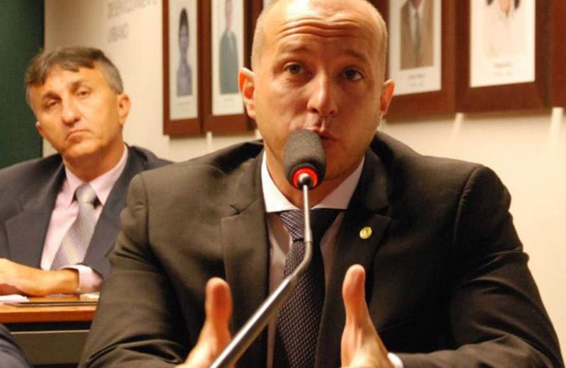 Marcelo Delaroli defende blindagem de viaturas policiais