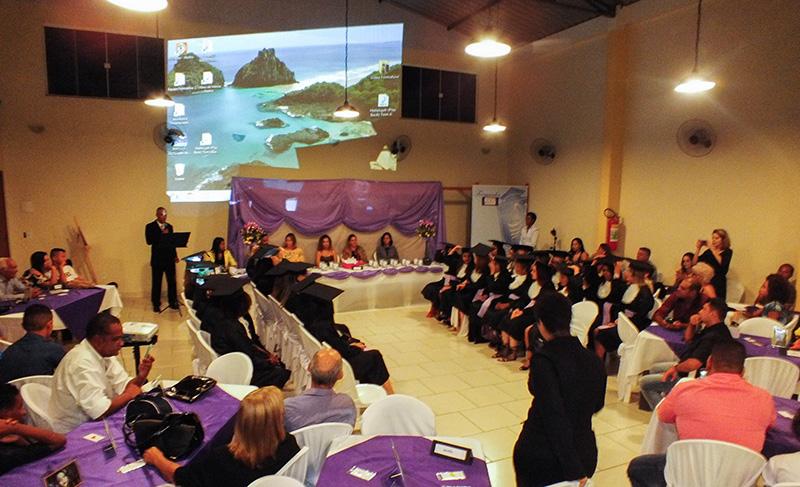 Instituto Embelleze Maricá forma novos cabeleireiros e manicures profissionais
